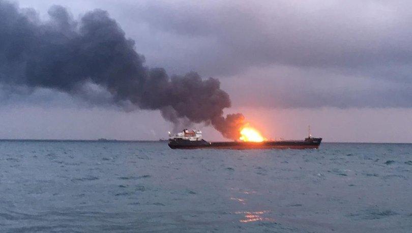 Kerç Boğazı'ndaki gemiler 22 gündür söndürülemiyor