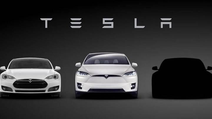 Araç teslimi için Tesla 'çalışanlara baskı yapıyor' iddiası