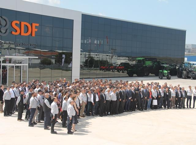SDF yenilendi, artık günde 30 traktör üretebilecek