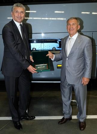 Tataristan Cumhurbaşkanı Mercedes tesislerini gezdi