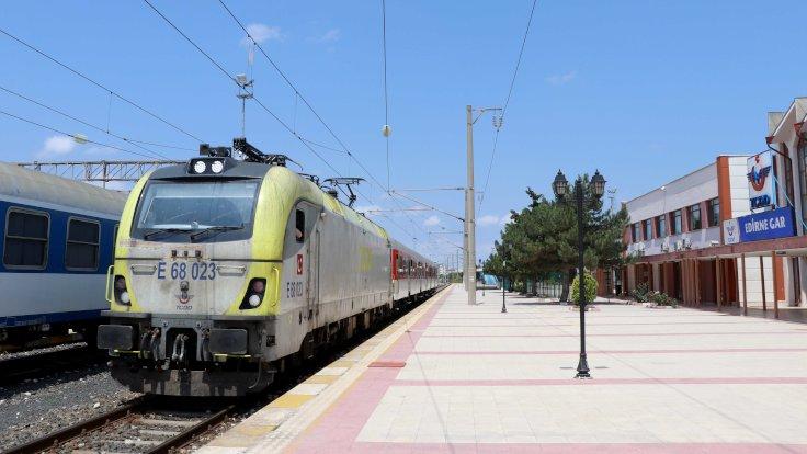 Filibe'den Edirne'ye ilk tren geldi