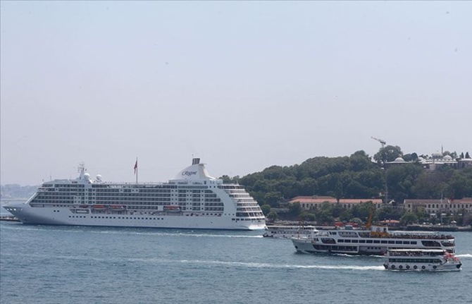 4 yıl sonra ilk gemi İstanbul'a demirledi