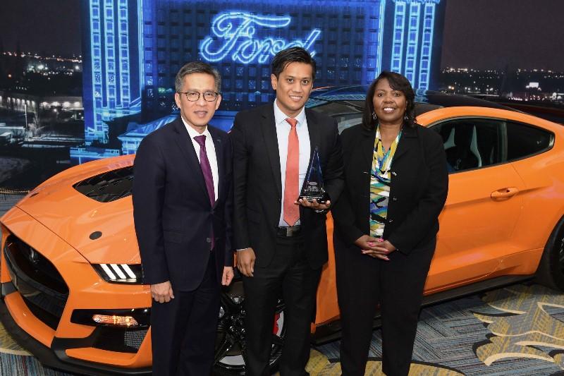 Ford, Pirelli'yi bir kez daha onurlandırdı