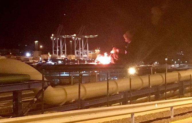 İzmir'de tanker yangını: 1 ölü, 16 yaralı