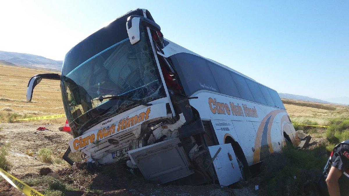Aksaray'da yolcu otobüsü devrildi: 41 kişi yaralı