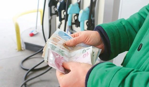 """Benzine """"dolar kuru"""" indirimi geliyor"""