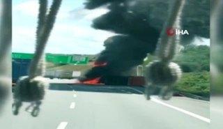 3. köprüde çöp toplama kamyonu yandı