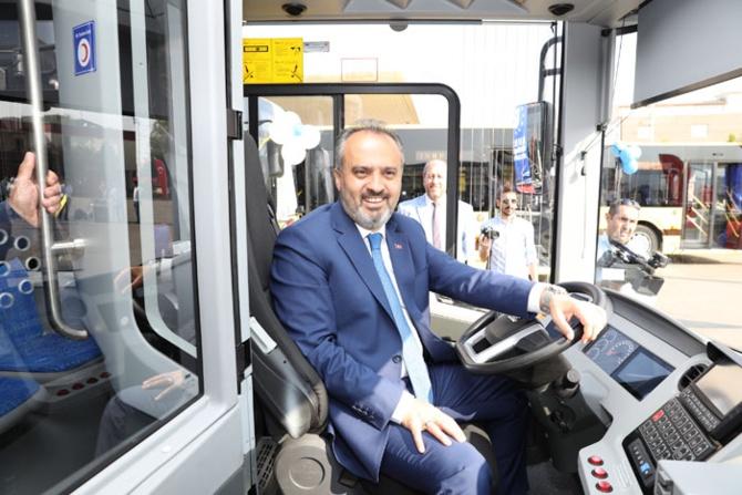 Bursa, toplu taşıma filosunu gençleştirdi
