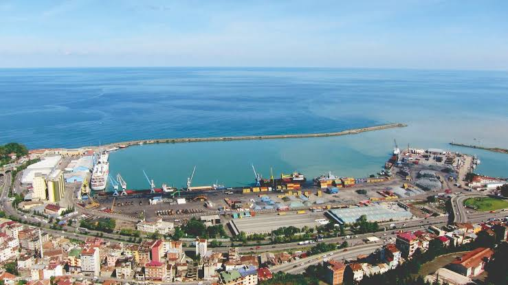 Rekabet için Trabzon Limanı'na demiryolu şart