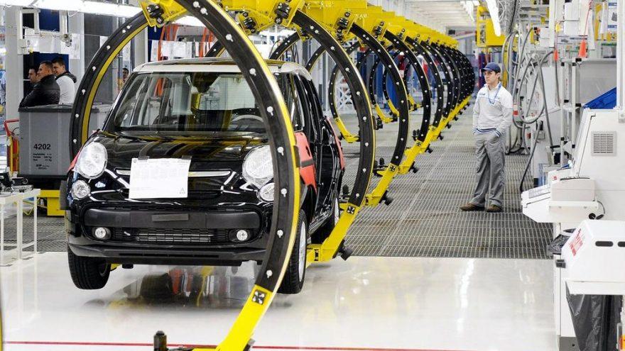 Fiat Sırbistan'daki üretimini durdurma kararı aldı