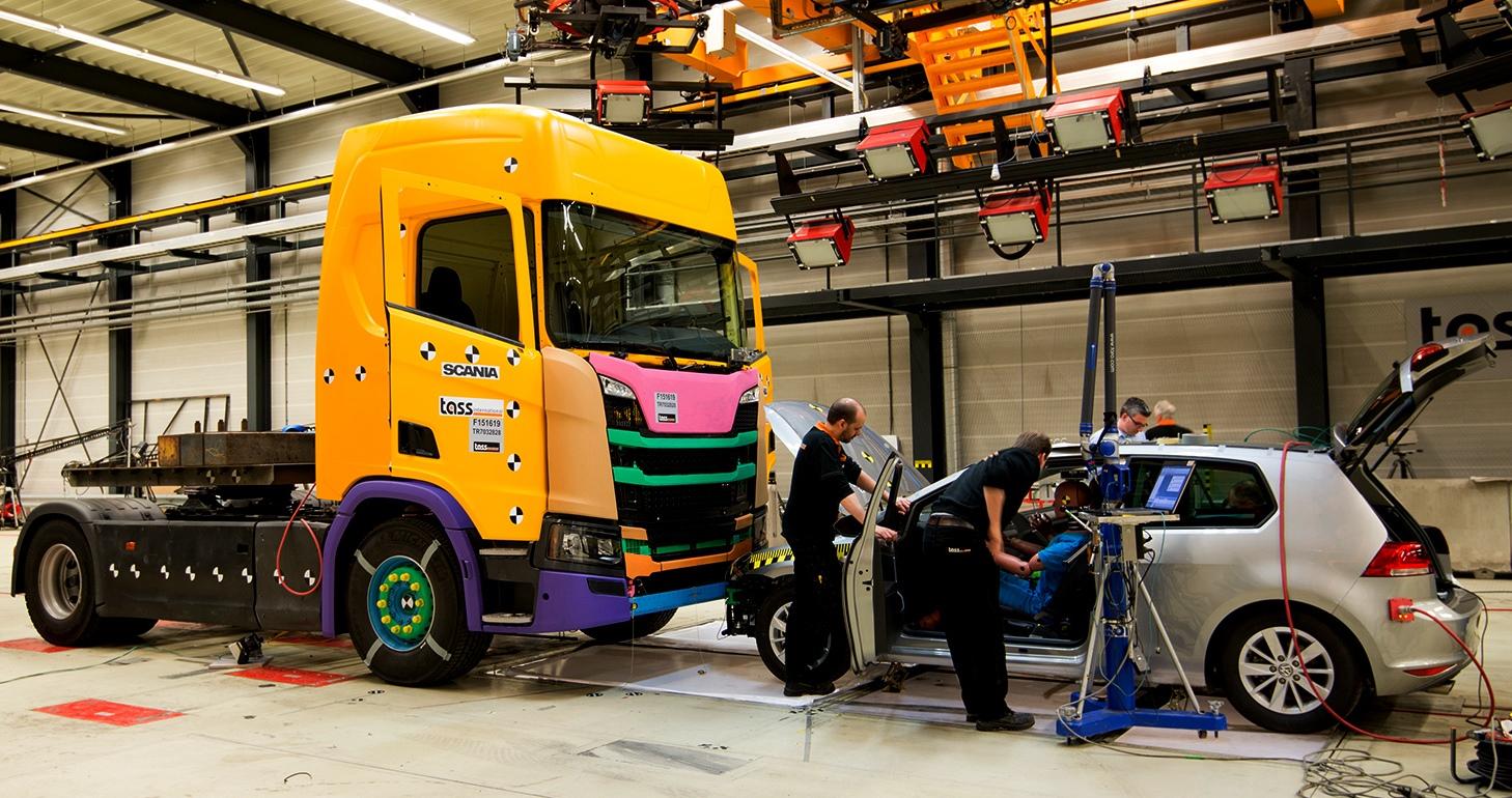 Scania'dan trafik  güvenliğinde devrim
