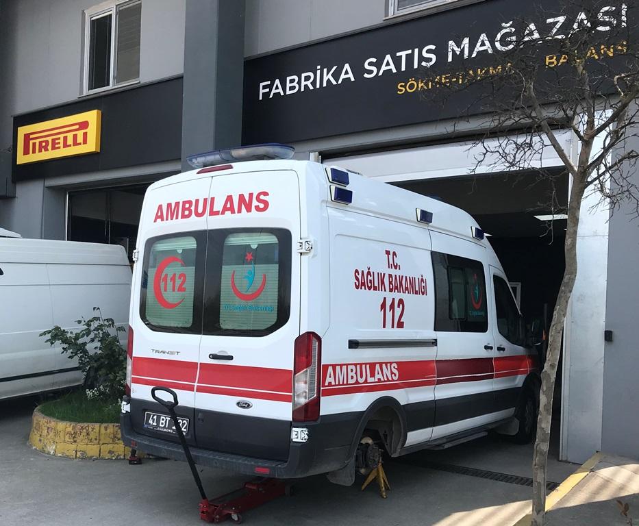 Pirelli, 3 ilin ambulanslarına lastik bağışladı