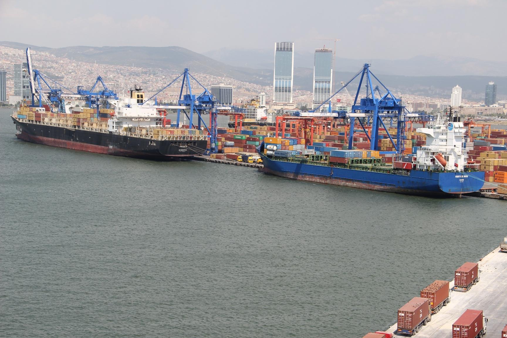 Türk limanları salgın dinlemedi