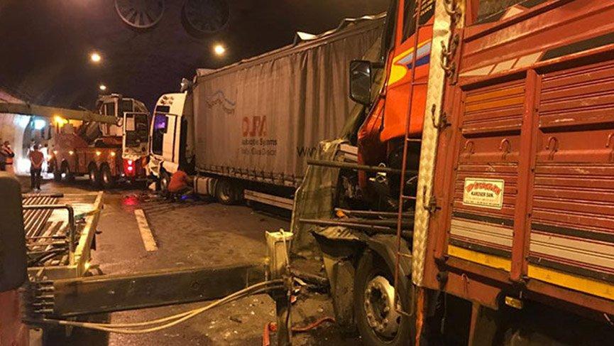 5 TIR'ın karıştığı kazada TEM Ankara yolu kapandı