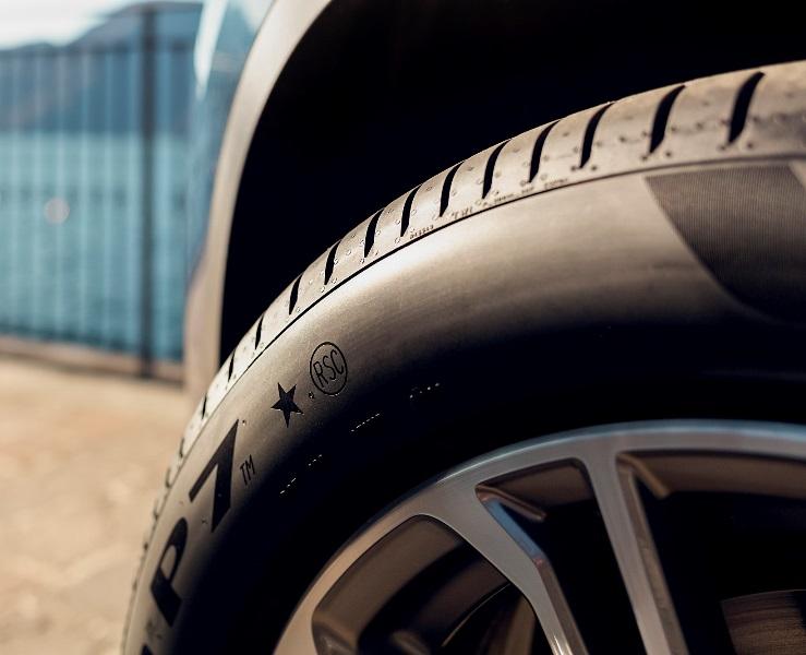 Pirelli'nin çok sıcak yol şartlarına uyumlu lastiği tanıtıldı
