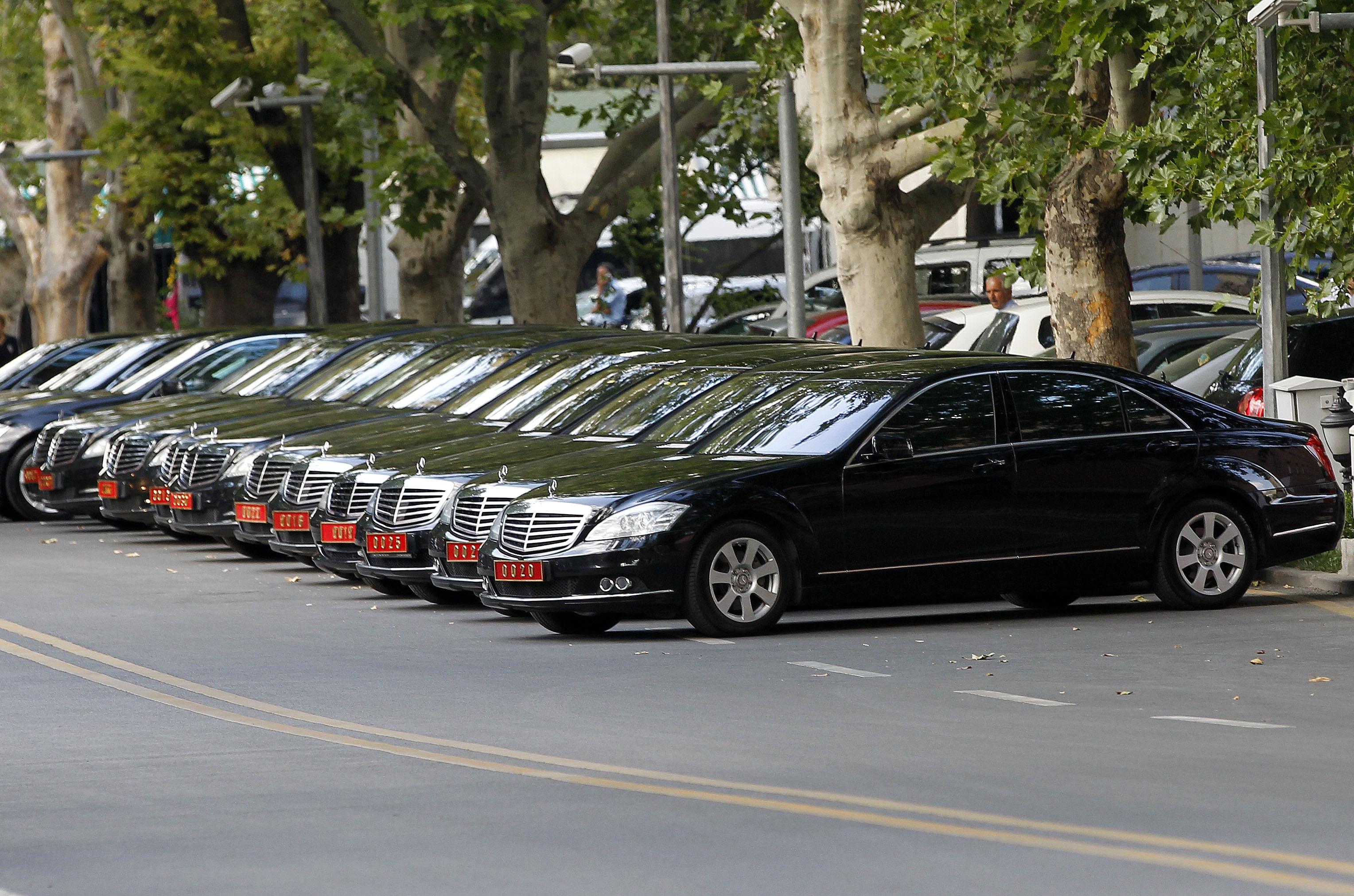 Cumhurbaşkanlığı,14 aracı 3.8 milyona kiraladı