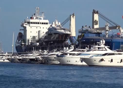 Marmaris'e yatlar kargo gemisiyle geliyor