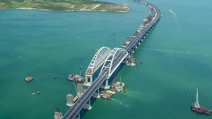 Kırım Köprüsü'nden trenle yılda 13 milyon ton yük geçecek