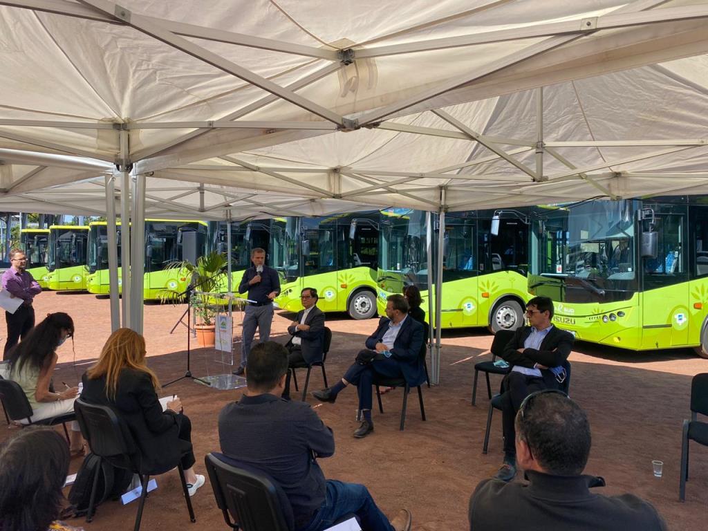 Anadolu Isuzu, Reunion Adası'na 20 otobüs sattı