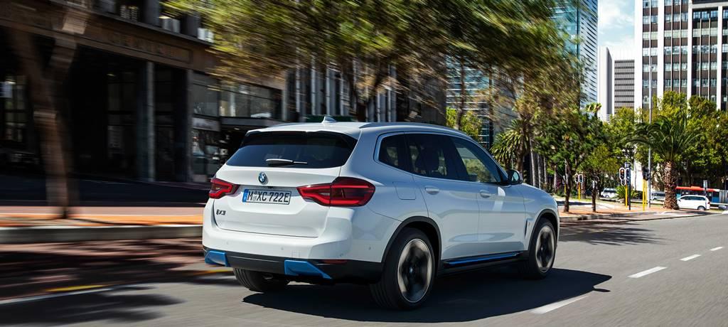 BMW'nin elektriklisi iX3 yollara çıkmaya hazır
