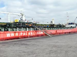 Palmali gemilerindeki mürettebat kan ağlıyor
