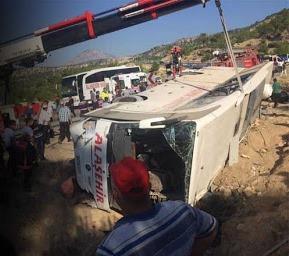 Mersin'de elim bir otobüs kazası: Şehitlerimiz var