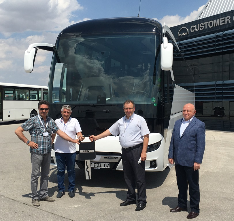 Mis Amasya Tur filosuna Neoplan Tourliner takviyesi