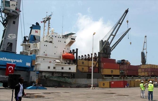 Mogadişu Limanı'nı 14 yıl daha Albayraklar işletecek