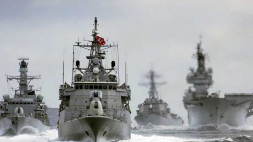 Türk Deniz Kuvvetleri 8 aydır gemide karantinada