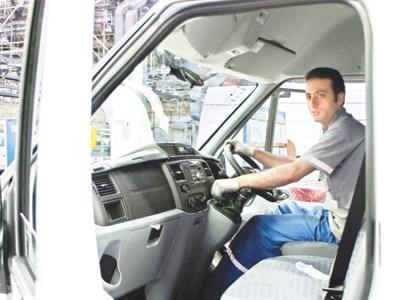 Mustafa Koç'un yeni minibüsü