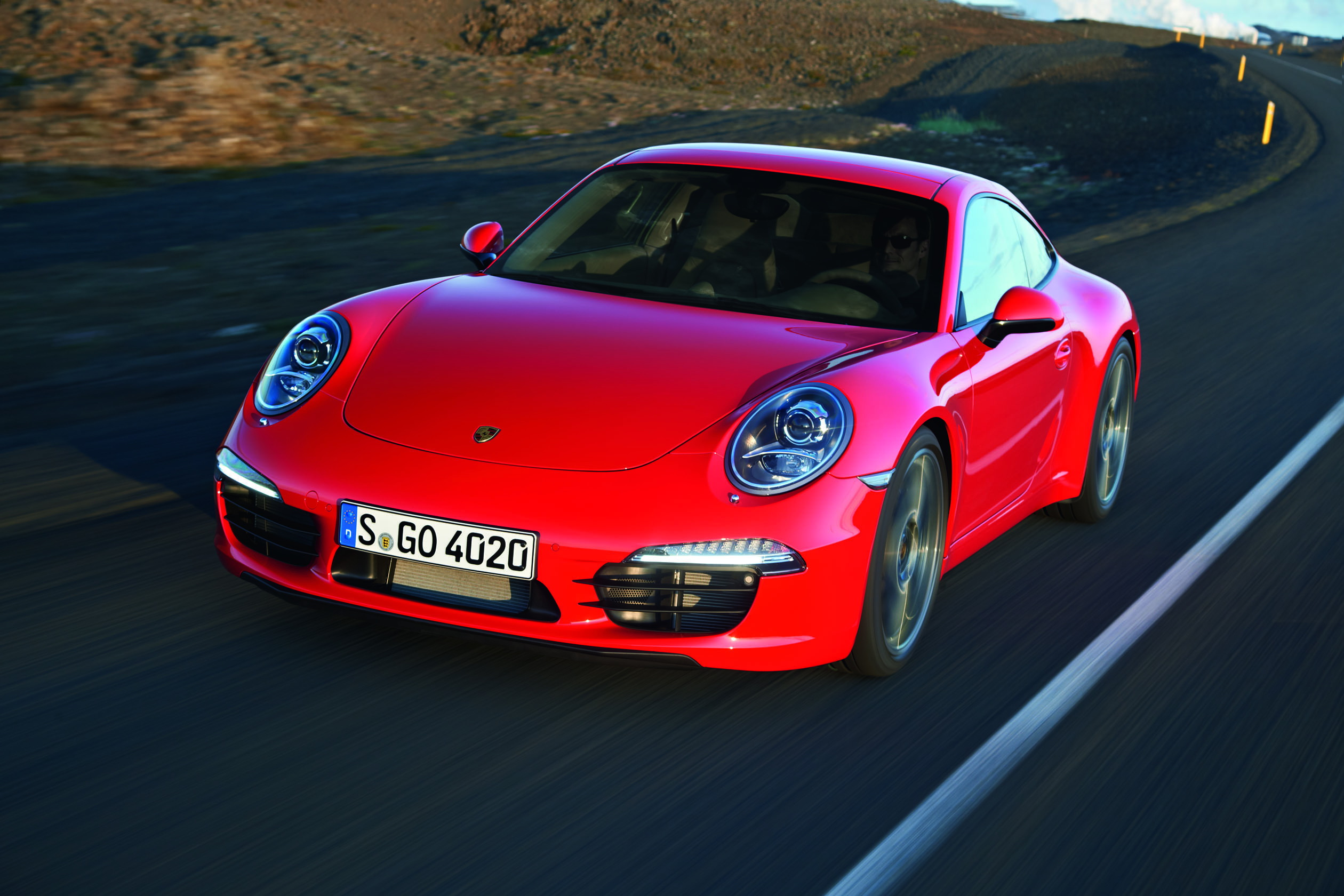 """Porsche'den Pirelli'ye """"2011 yılının en iyi tedarikçisi"""" ödülü"""