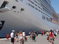 İzmir'e gelen gemi sayısı son 8 yılın en düşük seviyesinde
