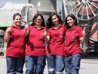 Mersin Limanı'nda vinçler kadınlara emanet!