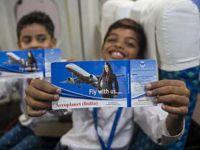Emekli pilot, fakir çocukları hayallerine uçuruyor