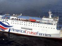 511 yolcusu bulunan gemide büyük yangın