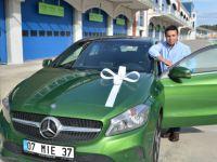 Mercedes-Benz'in orijinal yağını kullandı, otomobili kaptı