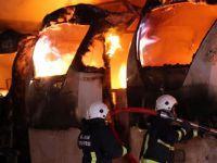 Bursa'da 7 yolcu otobüsü aynı anda yandı