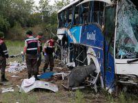 Kaptan uyudu, otobüs devrildi: Çok sayıda ölü var