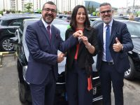 LR Health&Beauty, 58 Mercedes'i iş ortaklarına teslim etti