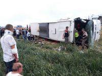 Yolcu otobüsü devrildi! Onlarca ölü ve yaralı var