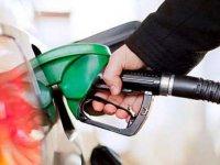 Dolar ve petrolde yaşanan düşüş, akaryakıt fiyatlarına yansımadı