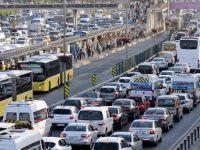 Boğaz köprülerinden 468 bin 636 araç geçiyor