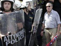 Yunanistan polisi Türk denizcileri 5 gündür rehin tutuyor!
