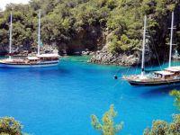 Ege ve Akdeniz'de kendi karasularımıza hapsedildik
