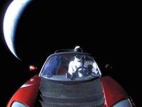 Tesla Roadster ve Falcon Heavy aynı reklamda