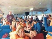 Çeşme gemisinde can pazarı! Lodos camı patlattı