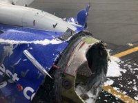 Havada dehşet! Uçağın motoru patladı