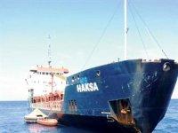 Türk gemisi limana çekildi!
