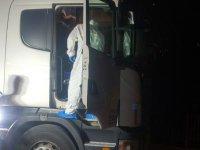 Alkollü TIR sürücüsü polisi gördü kafasına sıktı