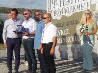 İstanbul Gazeteciler Derneği'ne iki başkandan plaket